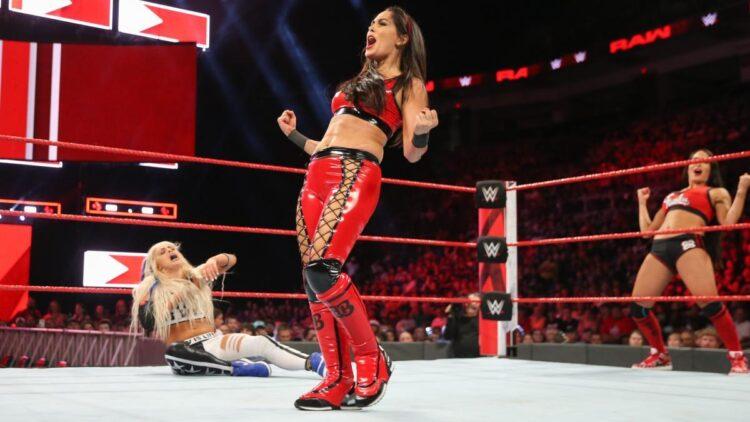 Brie Bella critica o atual estado da divisão feminina da WWE